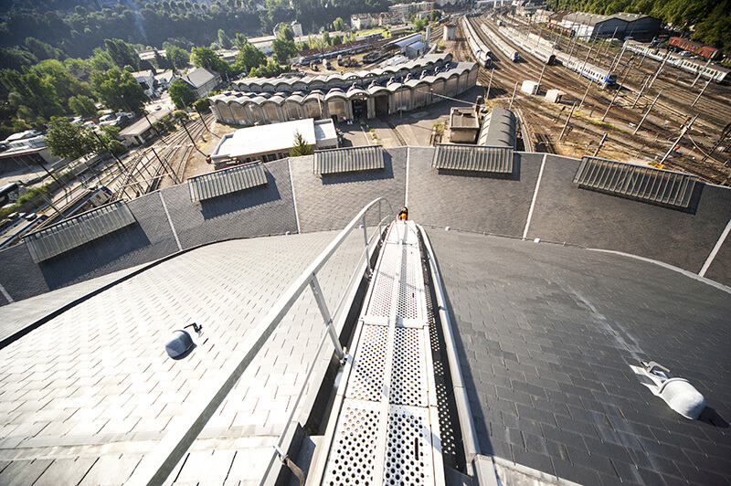 VERTIC's COMBIRAIL inclined fall protection rail system